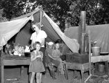 Hop pickers' camp at Eola, Polk County, Oregon, 1939